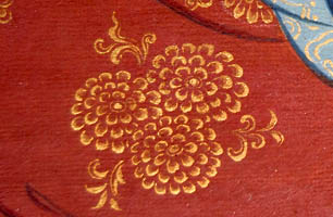 Flower motif with gold